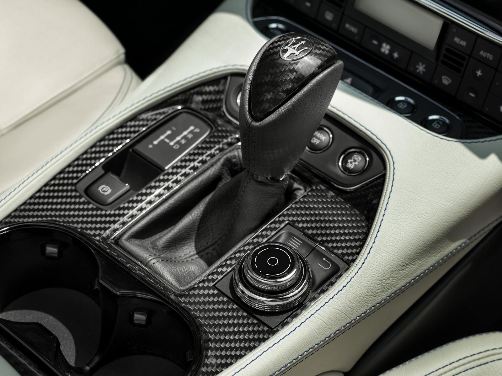 Maserati GranTurismo GranCabrio 2018 (13)
