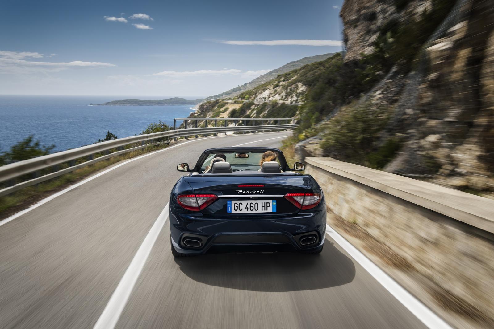 Maserati GranTurismo GranCabrio 2018 (15)