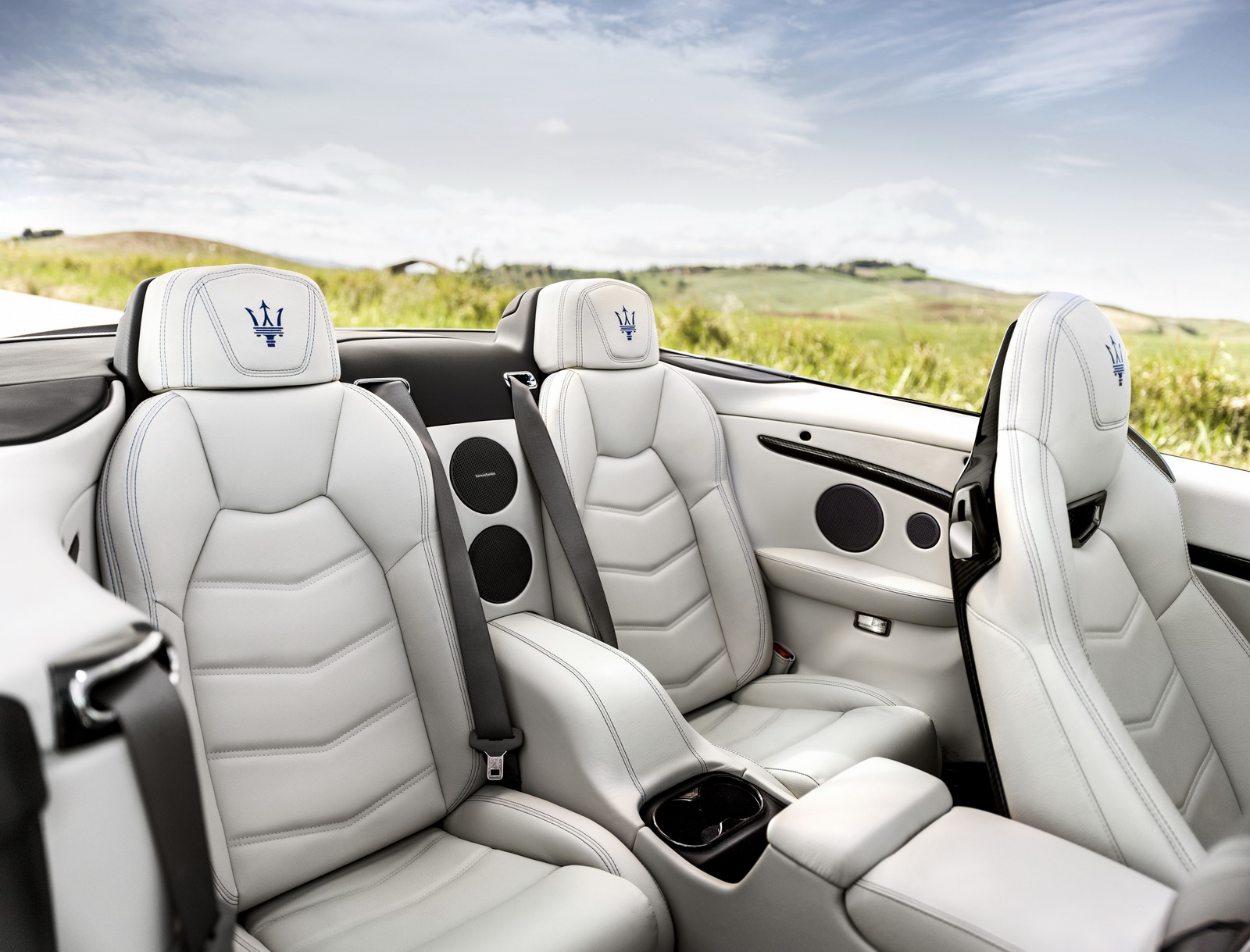 Maserati GranTurismo GranCabrio 2018 (17)