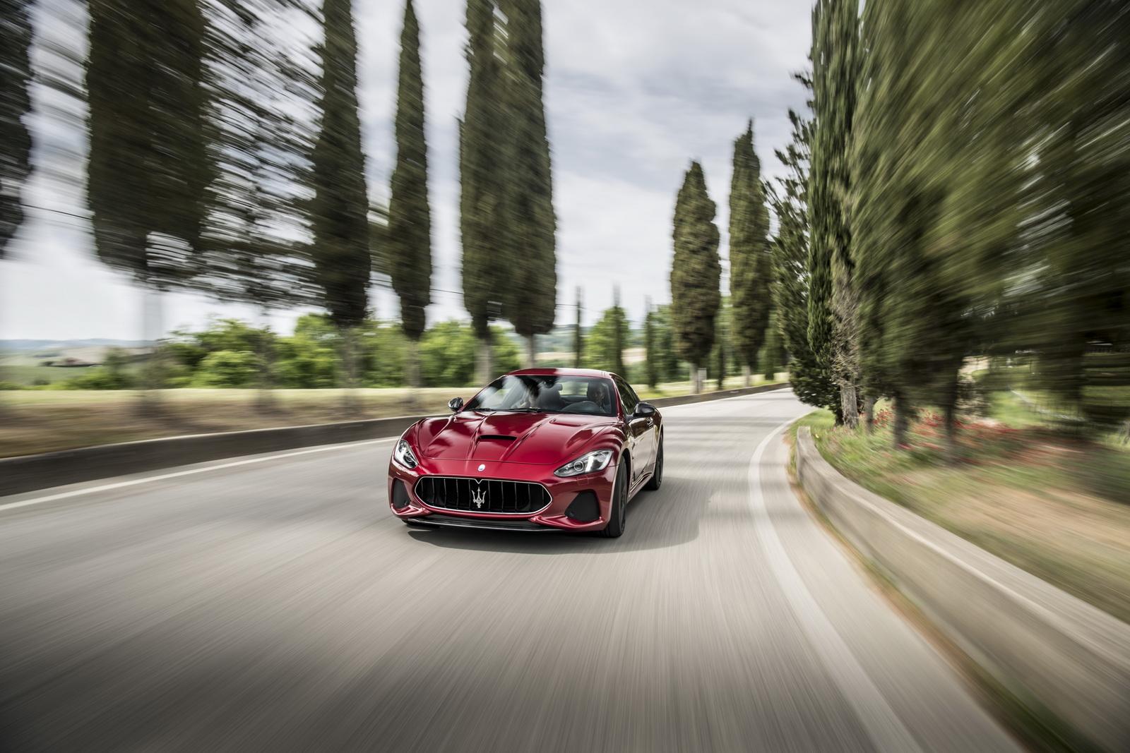 Maserati GranTurismo GranCabrio 2018 (3)