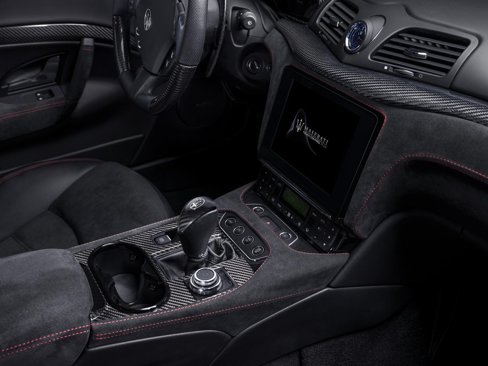 Maserati GranTurismo GranCabrio 2018 (31)