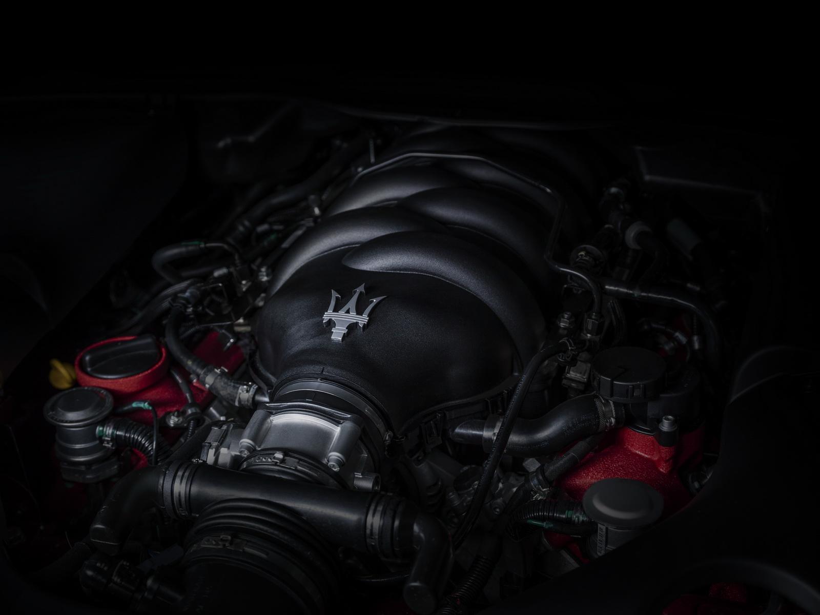 Maserati GranTurismo GranCabrio 2018 (36)