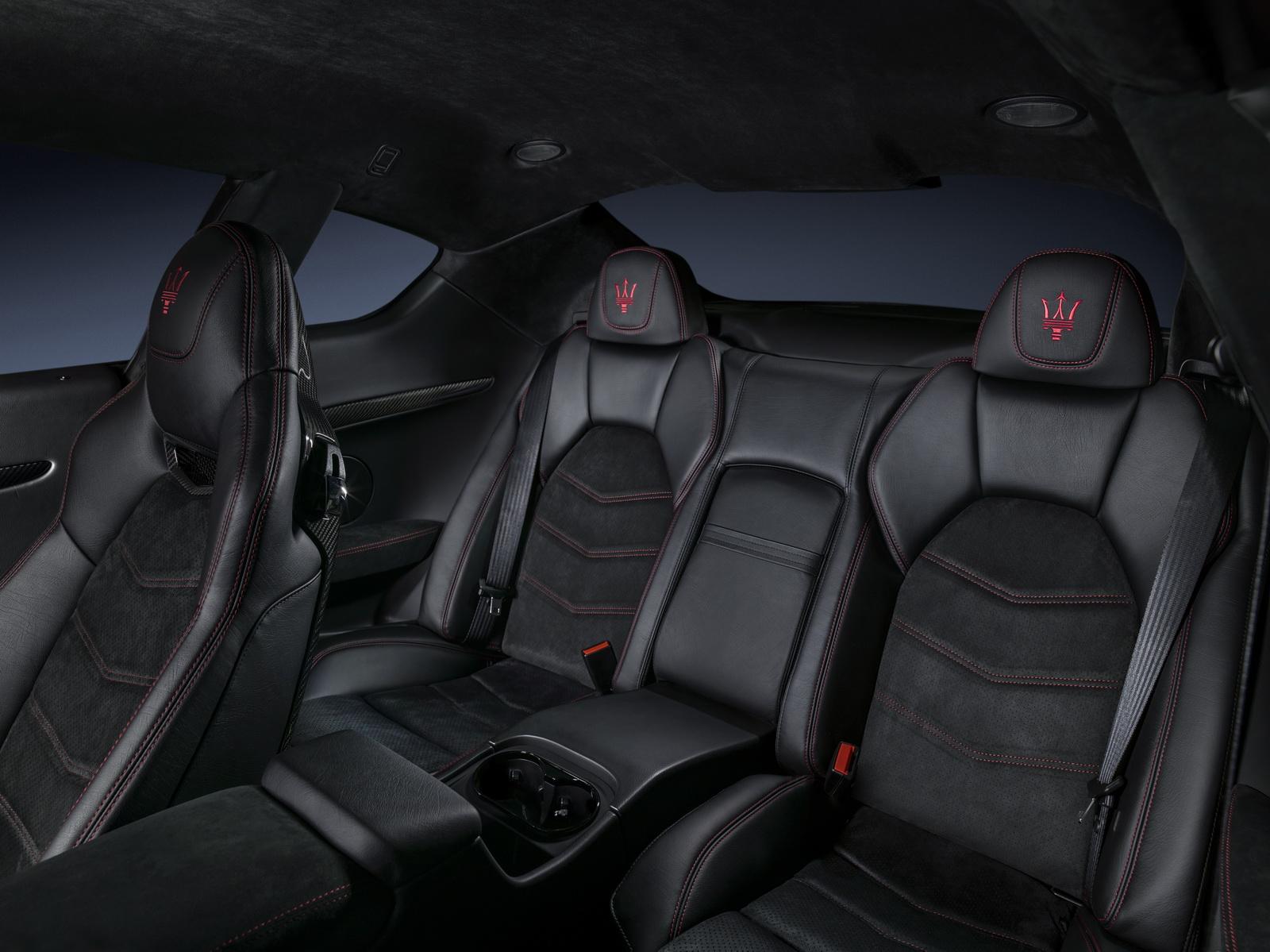 Maserati GranTurismo GranCabrio 2018 (37)