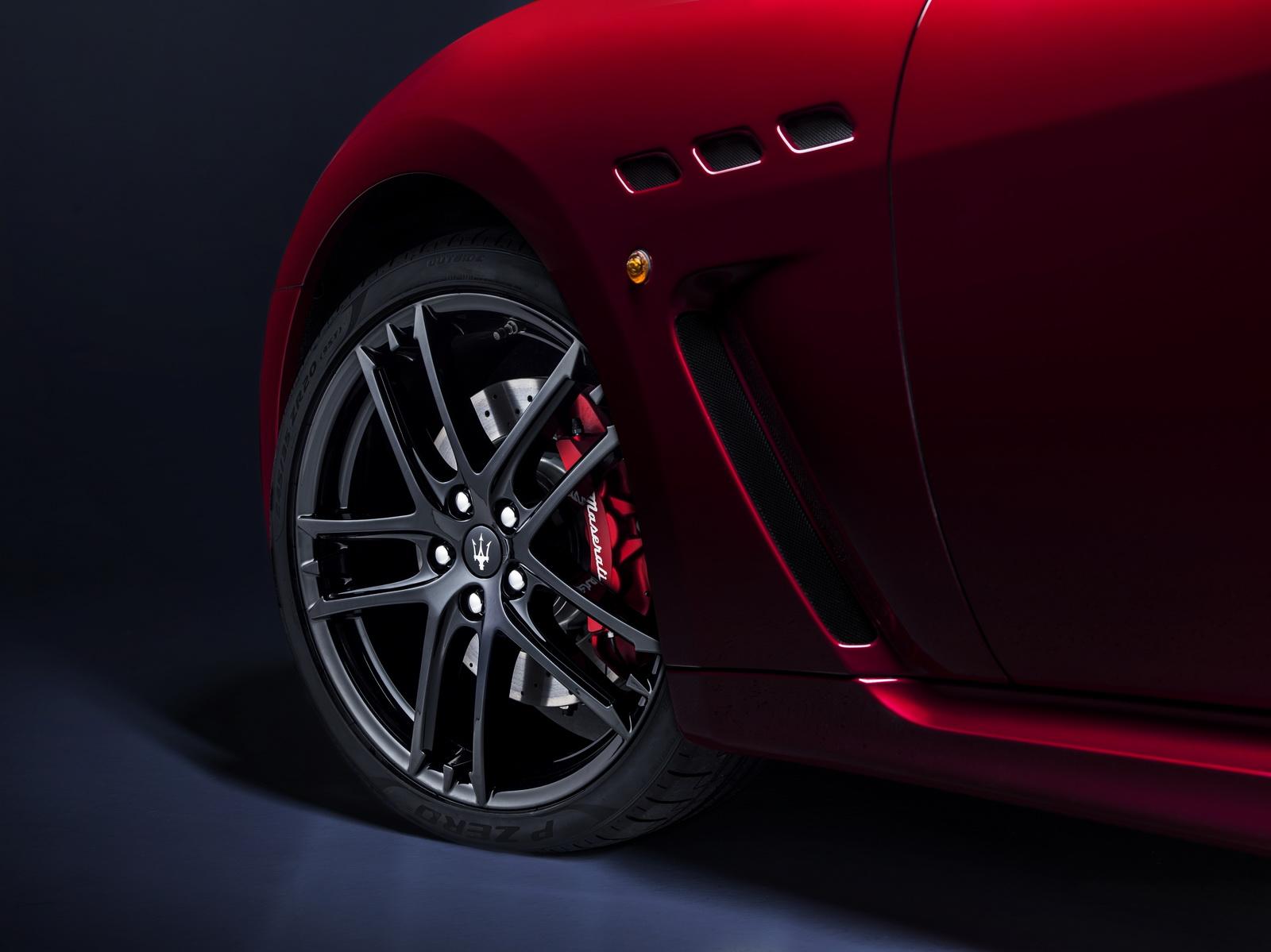 Maserati GranTurismo GranCabrio 2018 (40)