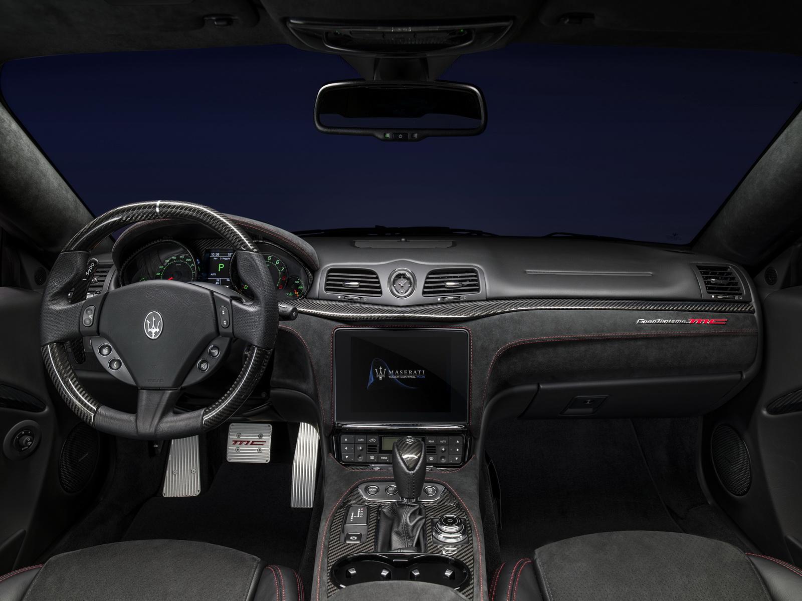 Maserati GranTurismo GranCabrio 2018 (42)