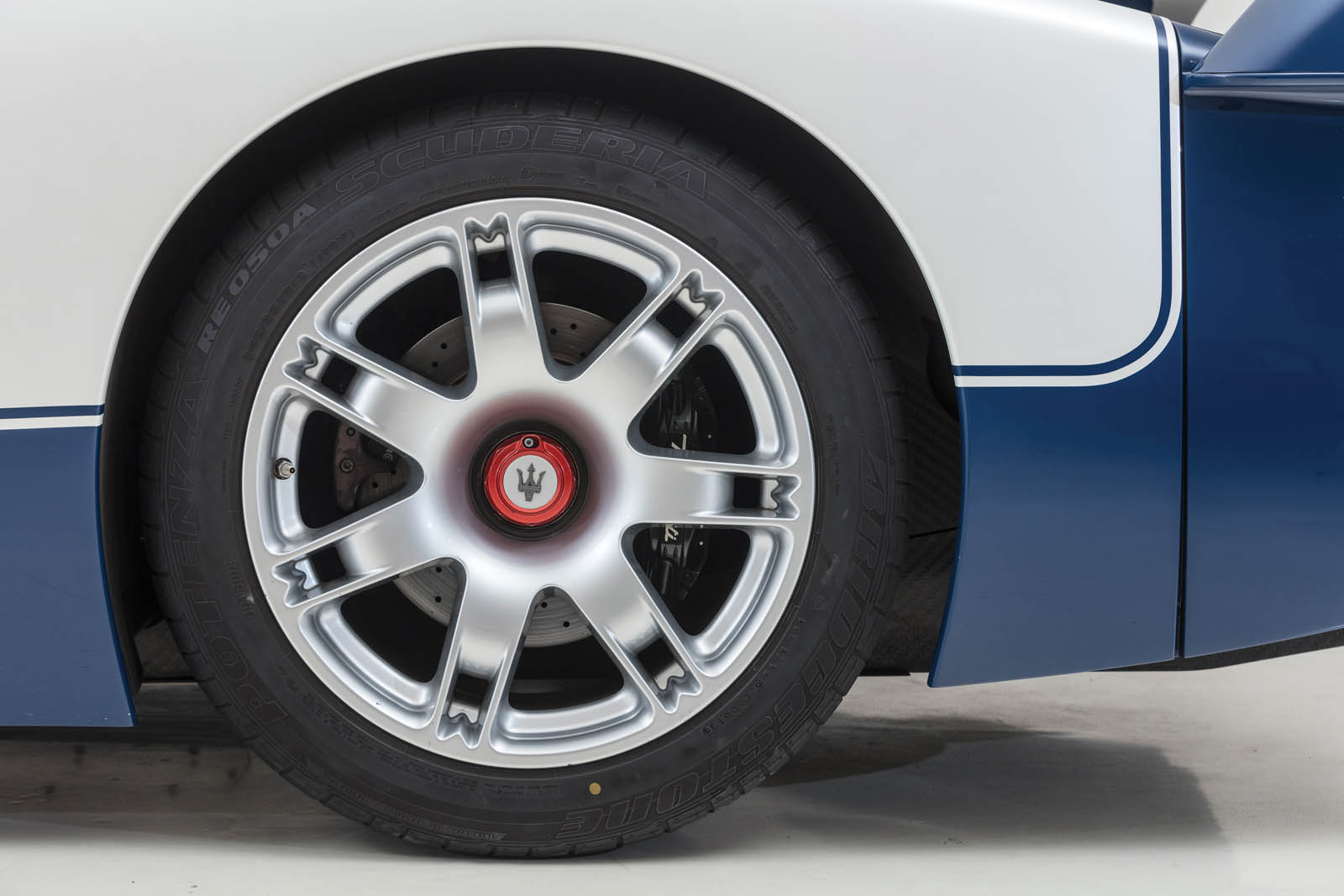 Maserati_MC12_for_sale_0009