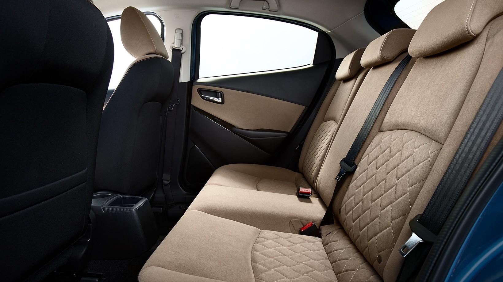 Mazda_2_facelift_04