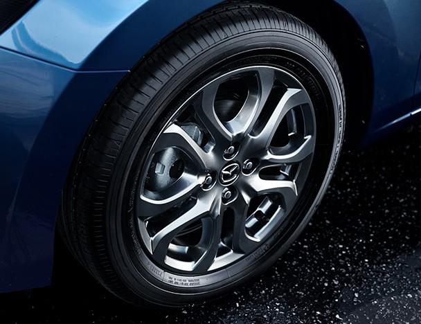 Mazda_2_facelift_09