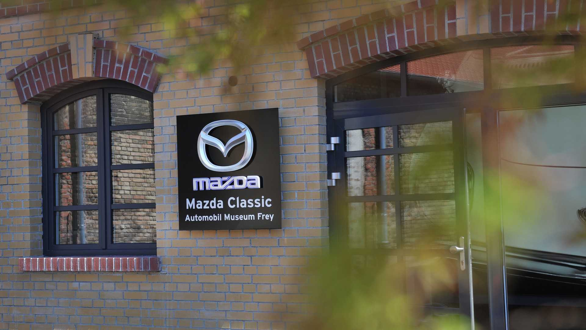 Mazda_classic_car_museum_10