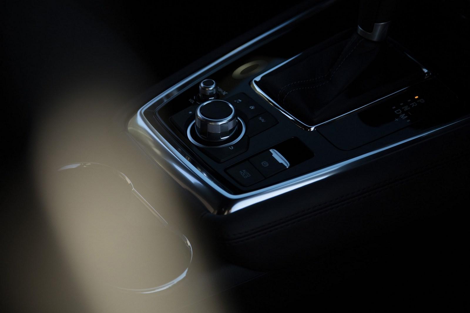 Mazda-CX-8-75