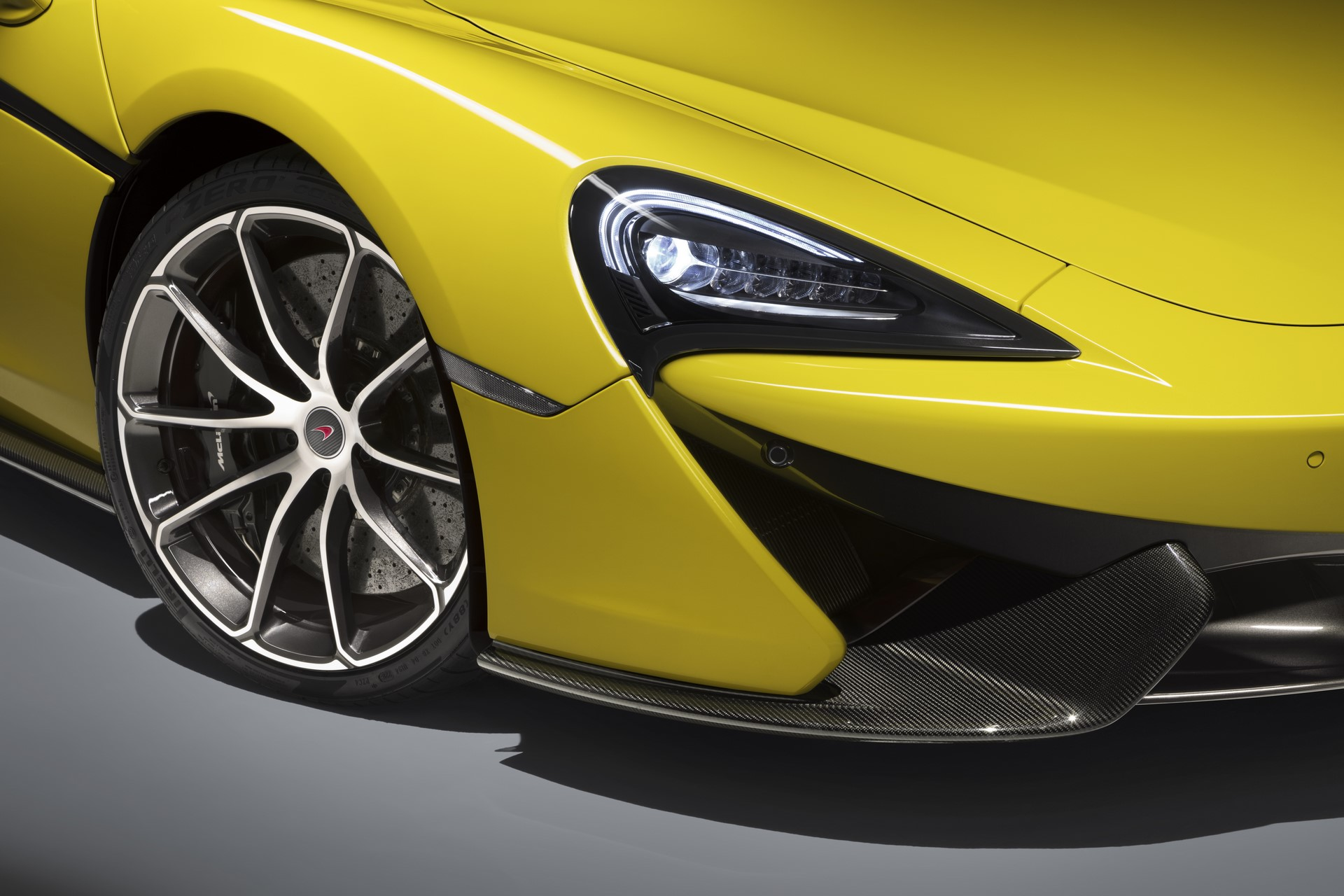 McLaren 570S Spider (12)