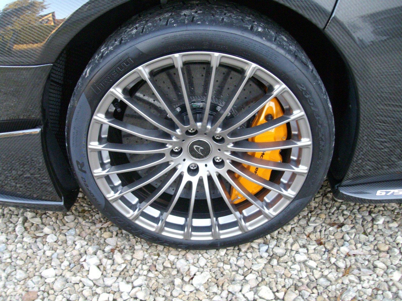 McLaren_675LT_Spider_Carbon_Series_by_MSO_08