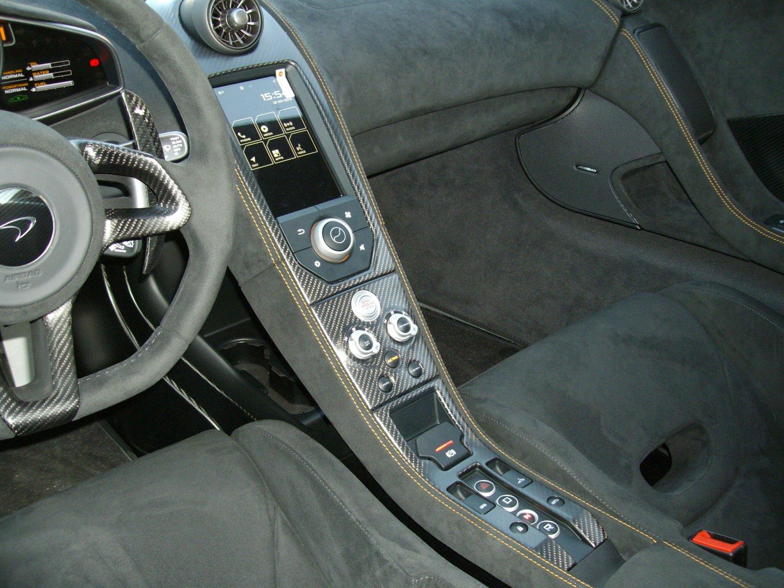 McLaren_675LT_Spider_Carbon_Series_by_MSO_11