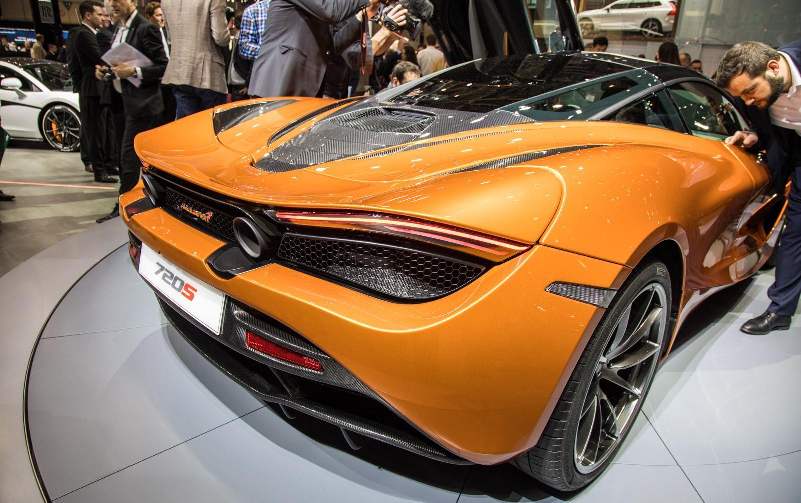 McLaren-720S-002
