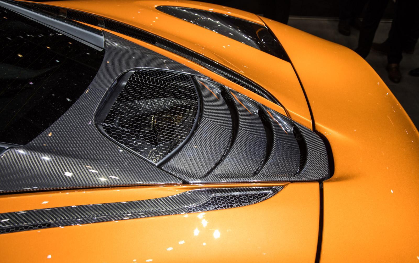 McLaren-720S-011