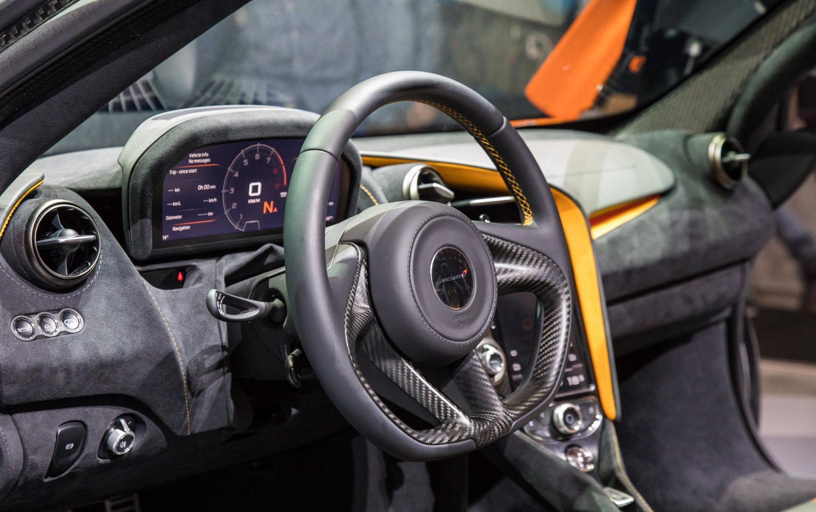 McLaren-720S-013