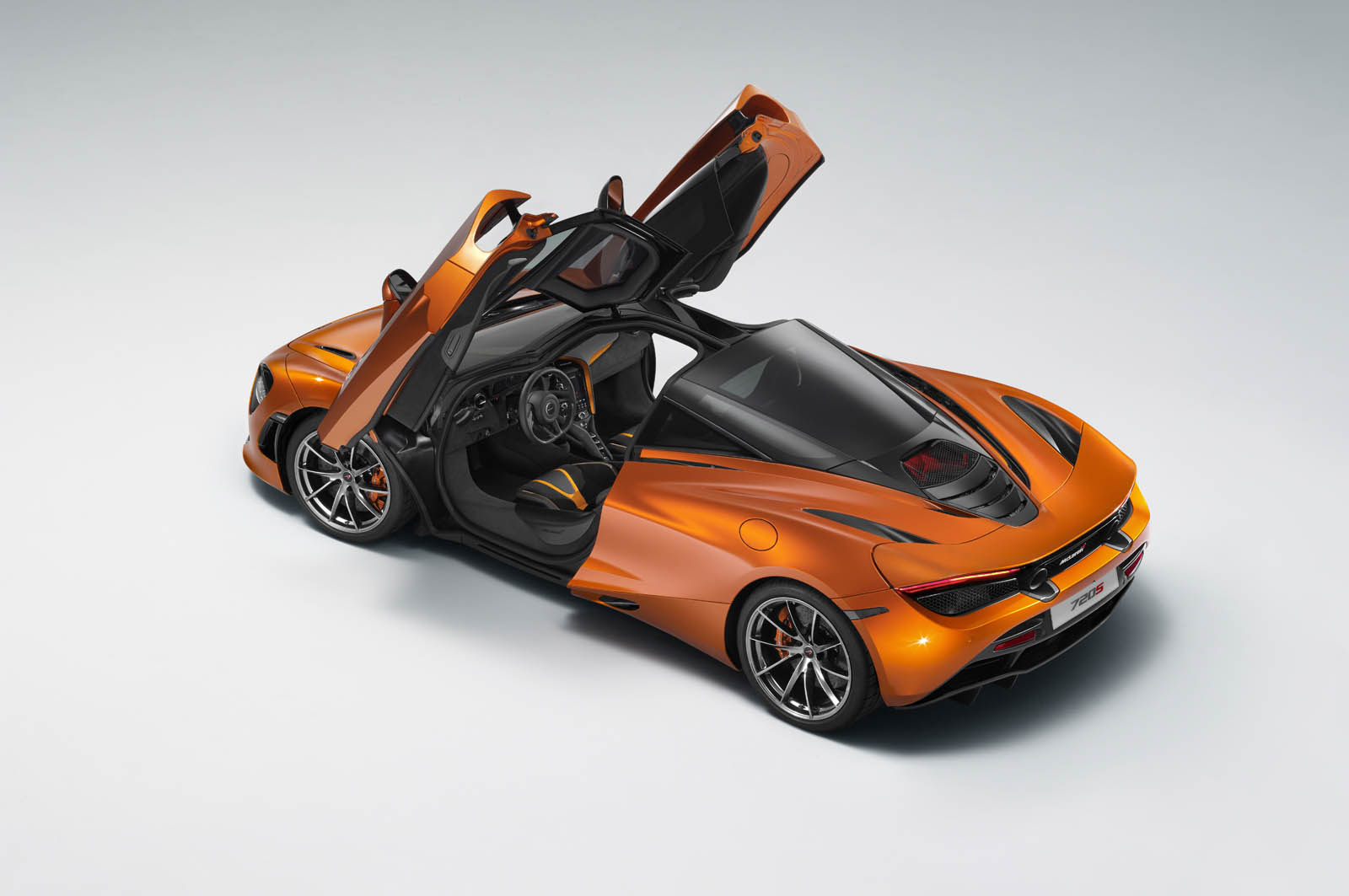 ©McLarenAutomotive www.mclarenautomotive.com www.media.mclarenautomotive.com www.facebook.com/mclarenautomotive
