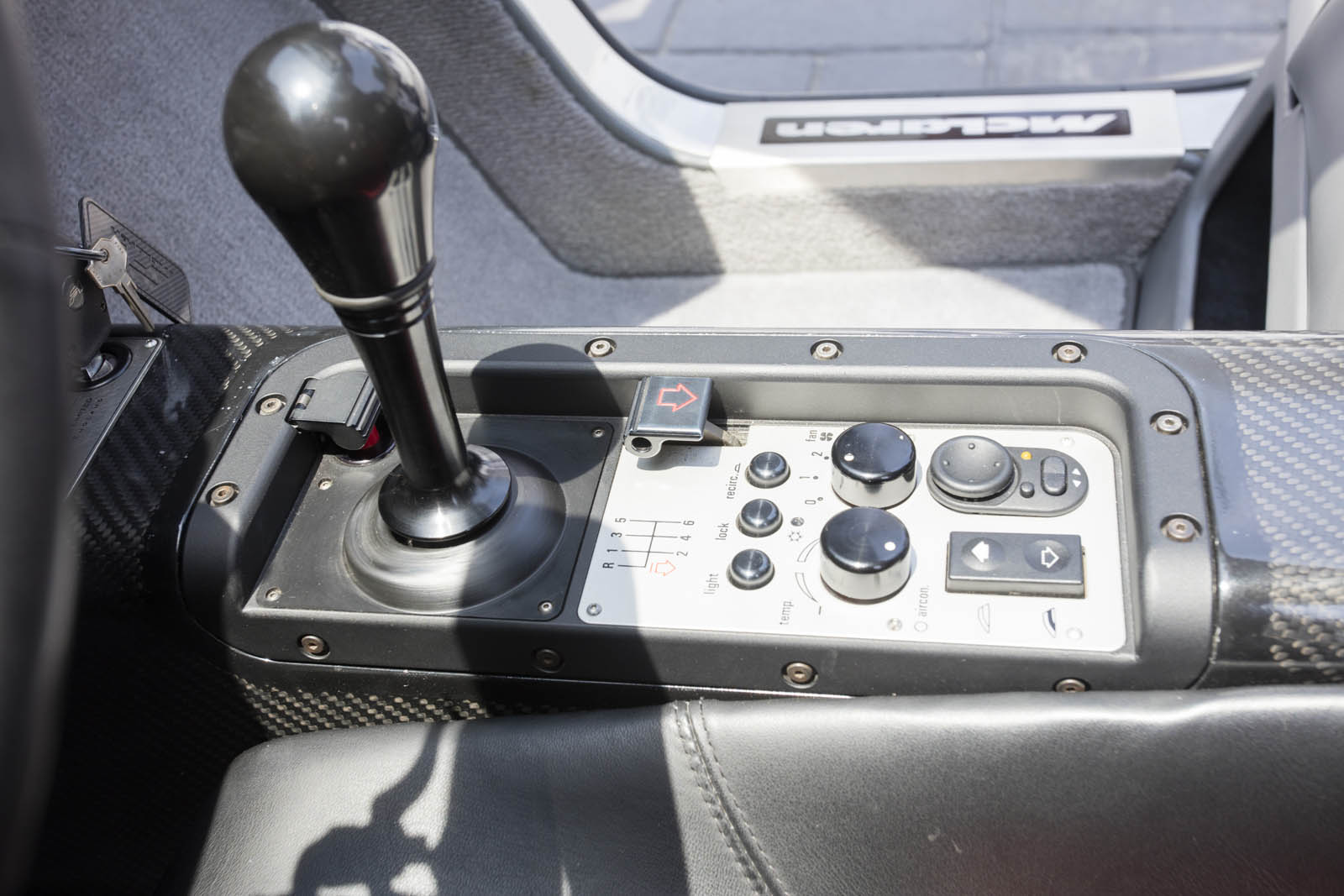 1995 McLaren F1 60 copy