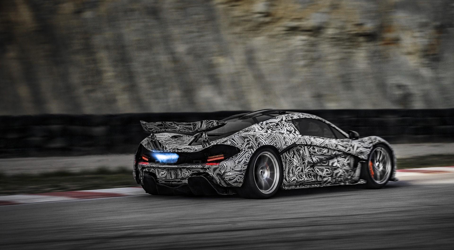 McLaren P1 development testing_04