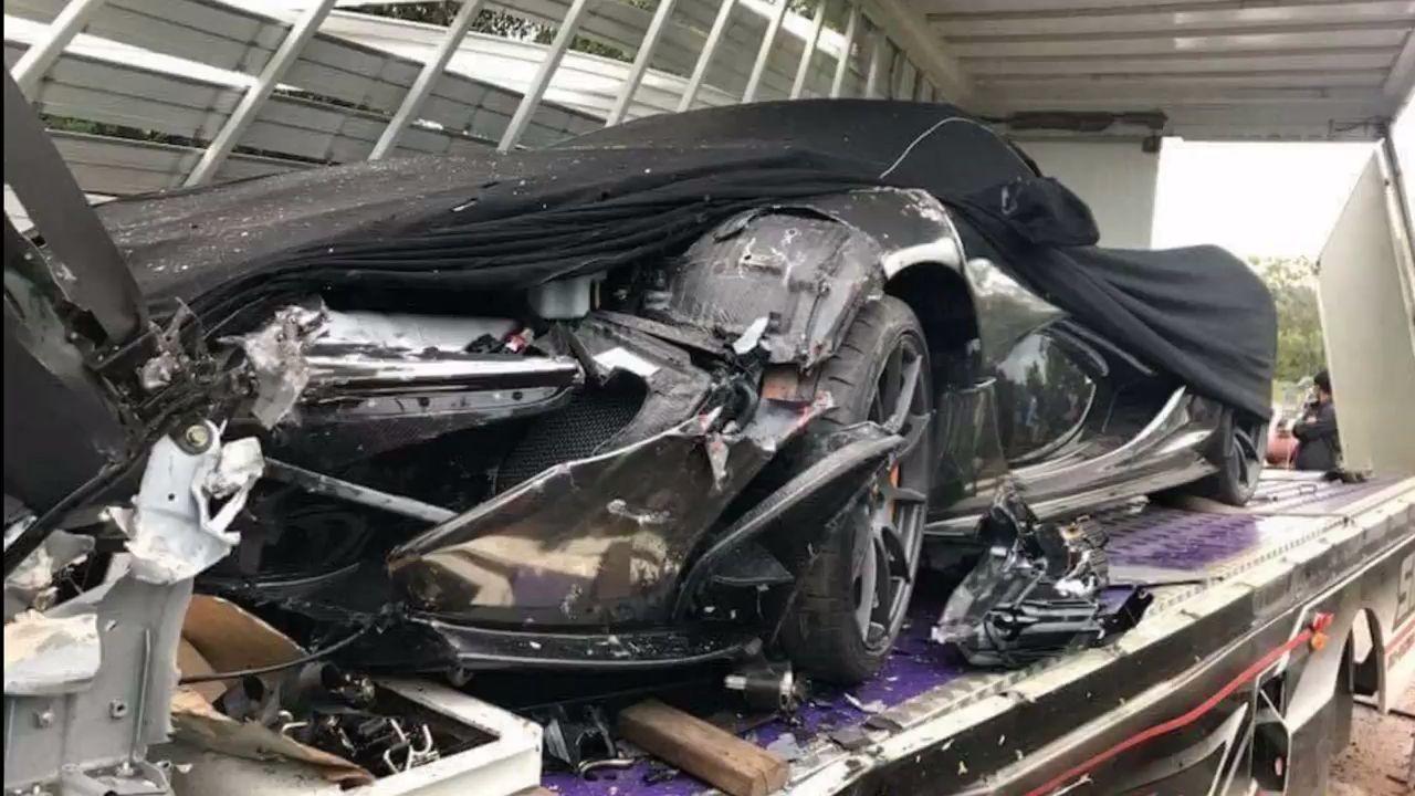 McLaren-P1-Cambodia-Crash-1