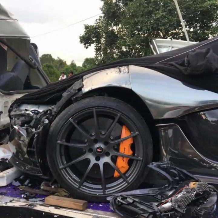 McLaren-P1-Cambodia-Crash-11