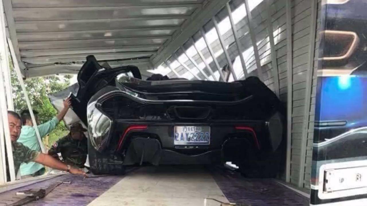 McLaren-P1-Cambodia-Crash-2
