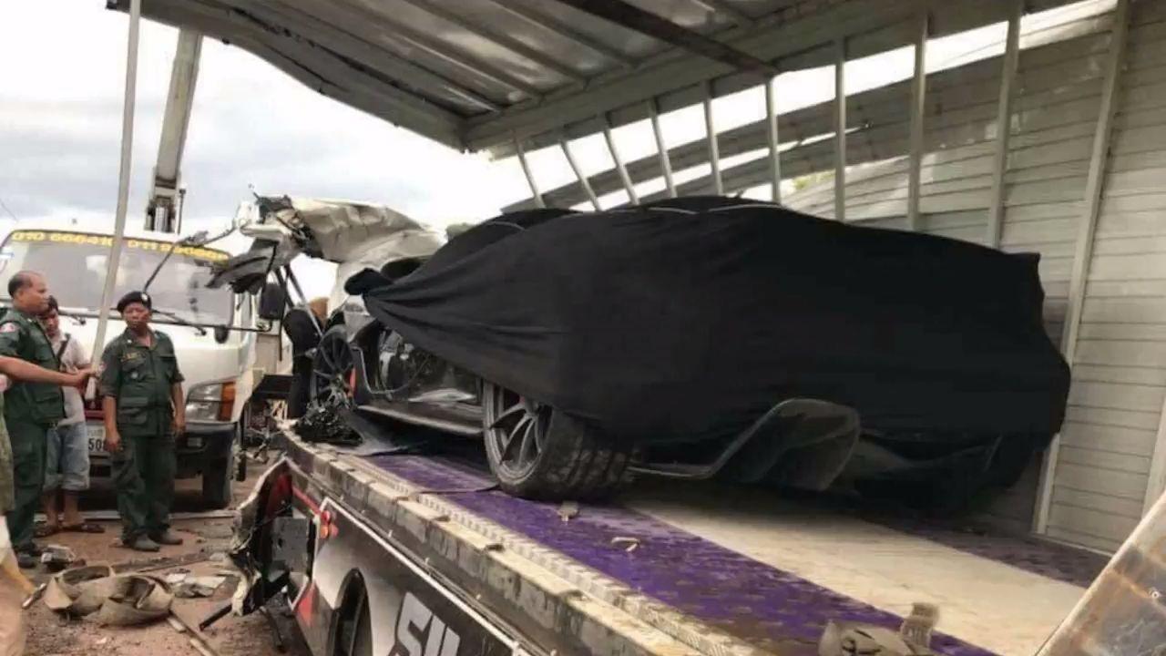 McLaren-P1-Cambodia-Crash-6