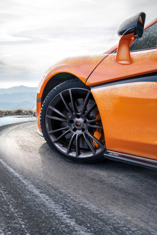 McLaren_Pirelli_winter_0000