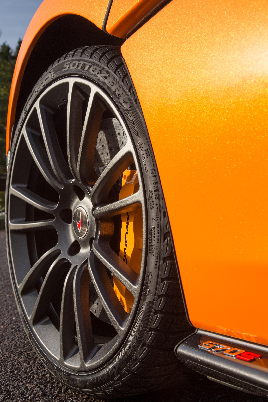 McLaren_Pirelli_winter_0003