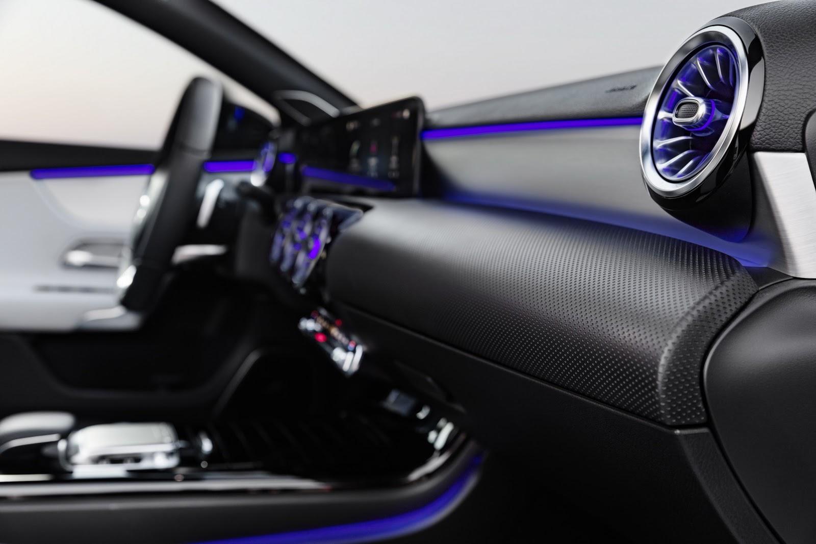 2018-Mercedes-A-Class-3