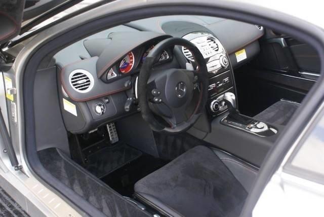 Michael_Jordan_Mercedes-Benz_SLR_McLaren_722_Edition_05
