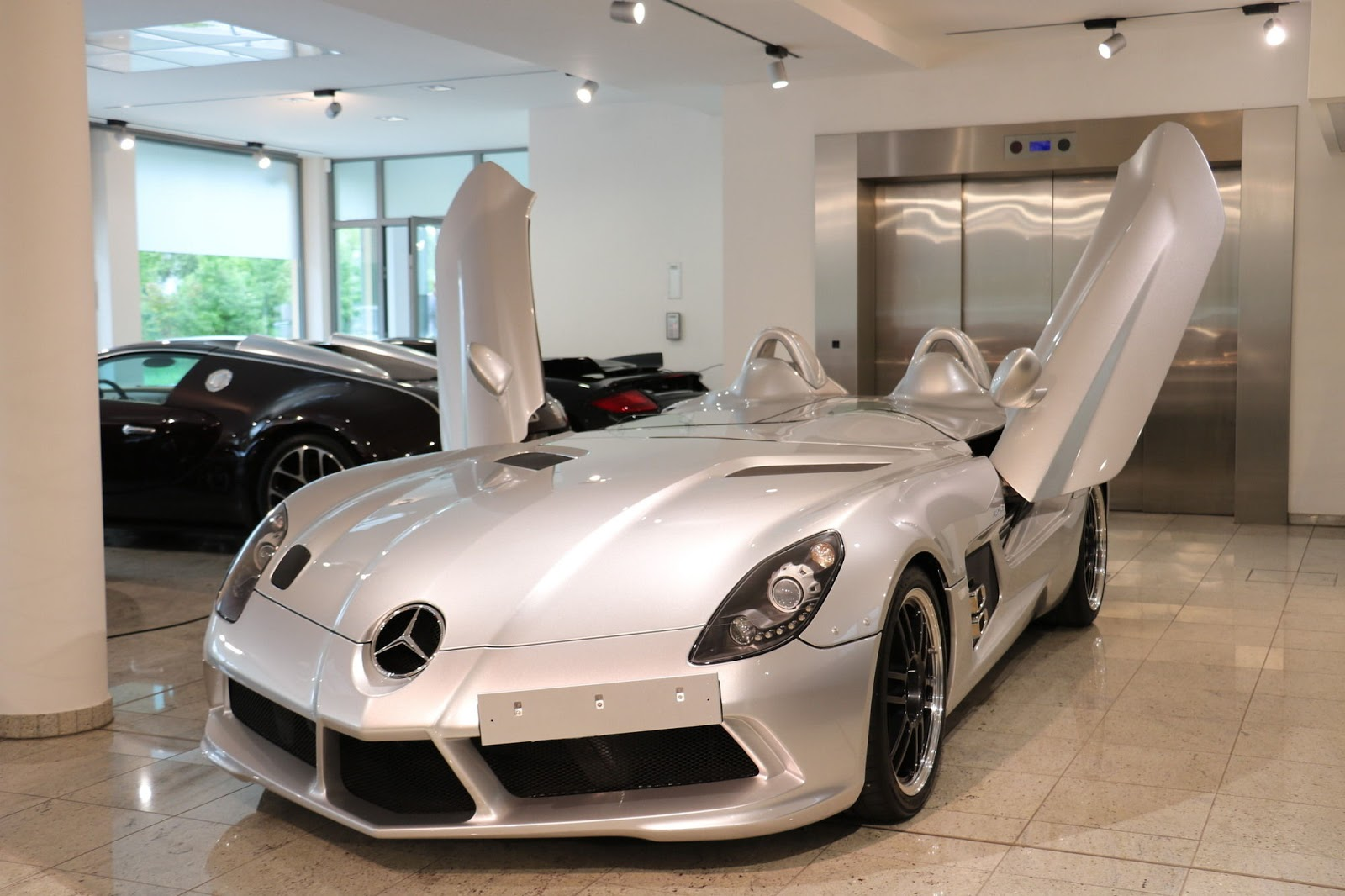 Mercedes-Benz SLR Stirling Moss for sale (1)