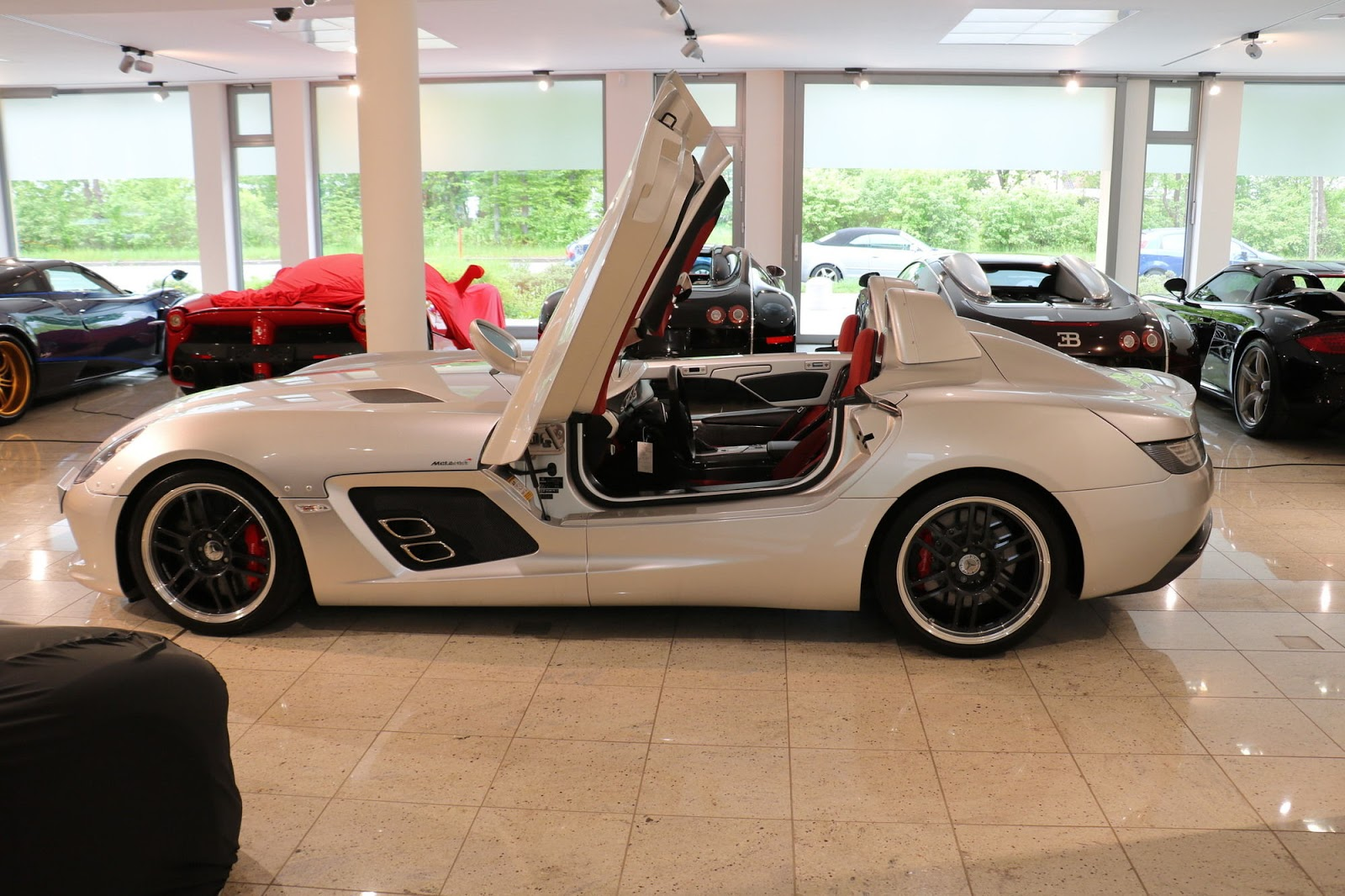 Mercedes-Benz SLR Stirling Moss for sale (3)