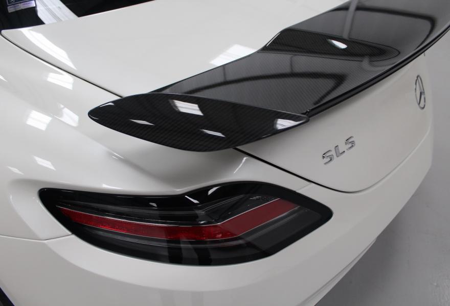 2013_Mercedes-Benz_SLS_AMG_Black_Series_for_sale_02