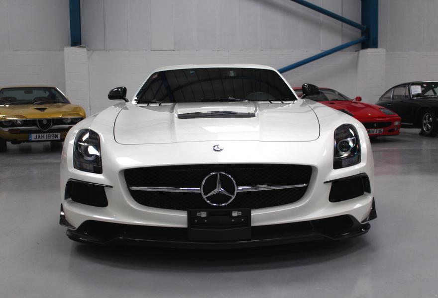 2013_Mercedes-Benz_SLS_AMG_Black_Series_for_sale_09