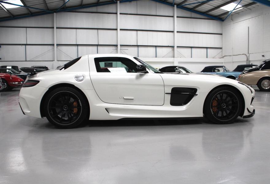 2013_Mercedes-Benz_SLS_AMG_Black_Series_for_sale_11