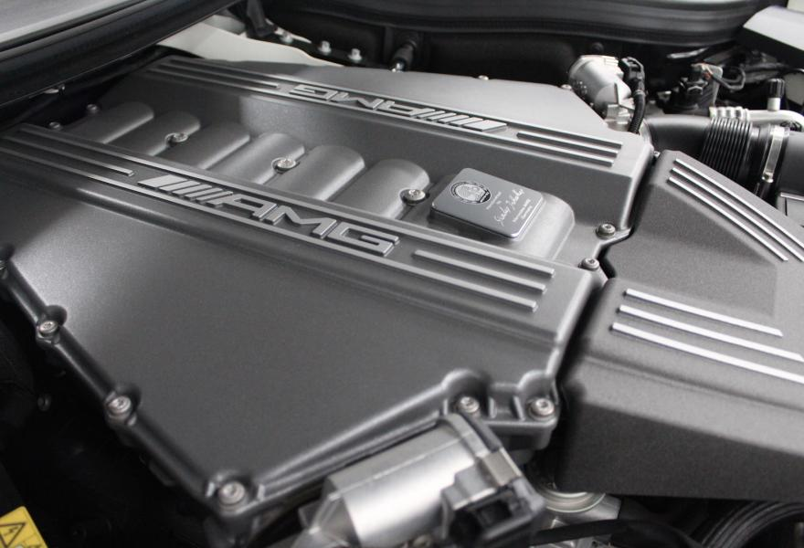 2013_Mercedes-Benz_SLS_AMG_Black_Series_for_sale_21
