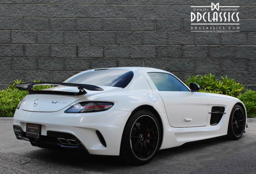 2013_Mercedes-Benz_SLS_AMG_Black_Series_for_sale_25
