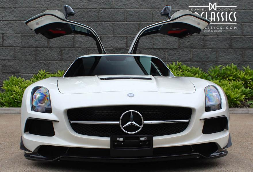2013_Mercedes-Benz_SLS_AMG_Black_Series_for_sale_36