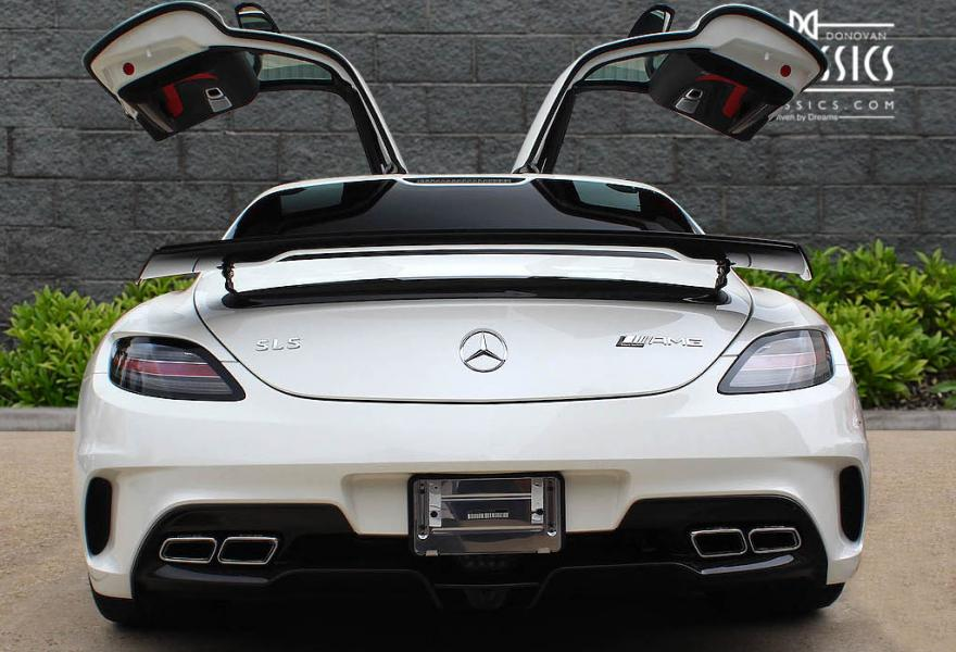 2013_Mercedes-Benz_SLS_AMG_Black_Series_for_sale_37