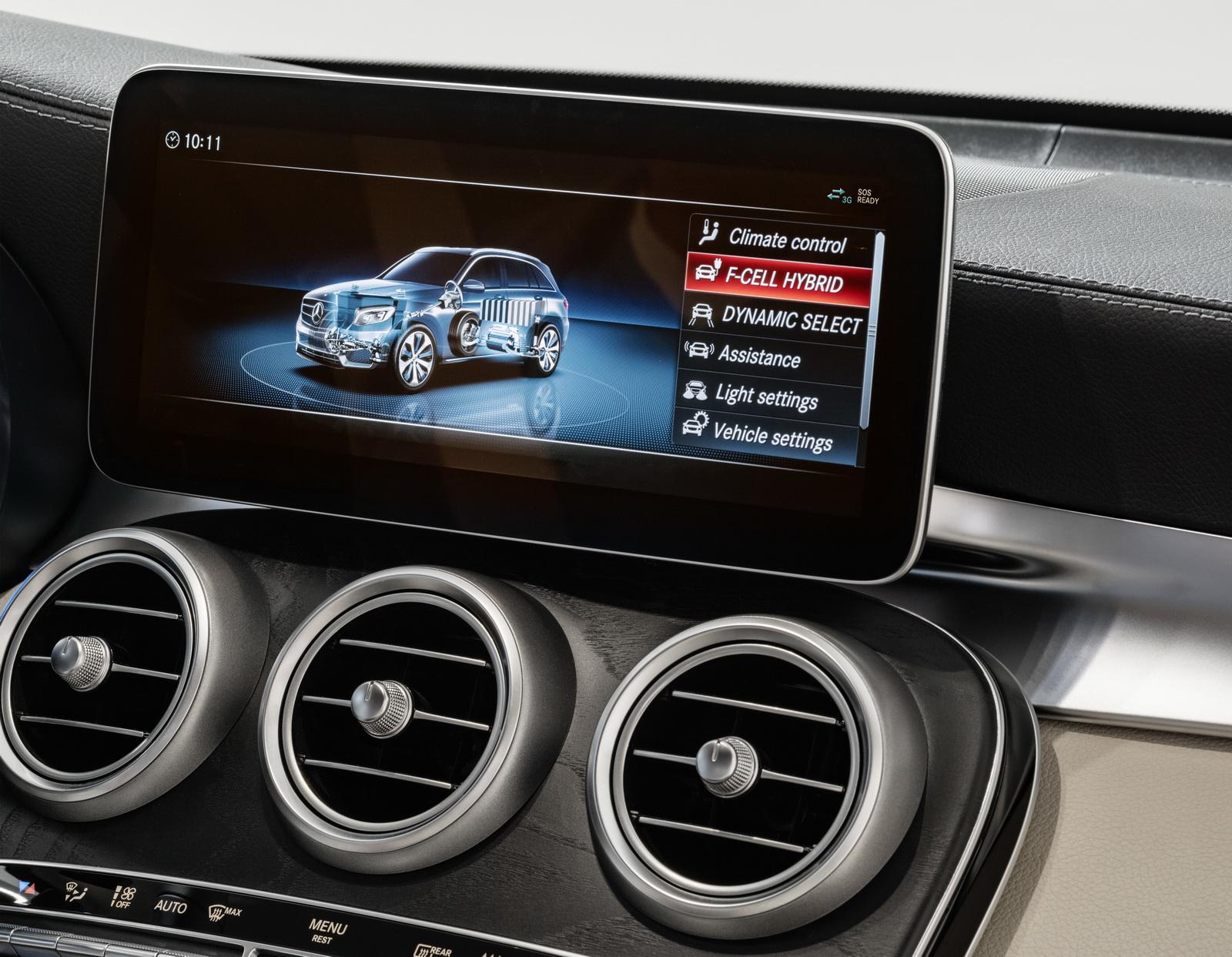 Mercedes-Benz präsentiert auf der IAA 2017 in Frankfurt mit dem Vorserienmodell des neuen Mercedes-Benz GLC F-CELL den nächsten Meilenstein auf dem Weg zum emissionsfreien Fahren. At the IAA International Motor Show 2017 in Frankfurt, Mercedes-Benz is presenting a preproduction model of the new Mercedes-Benz GLC F-CELL as the next milestone on the road to emission-free driving.