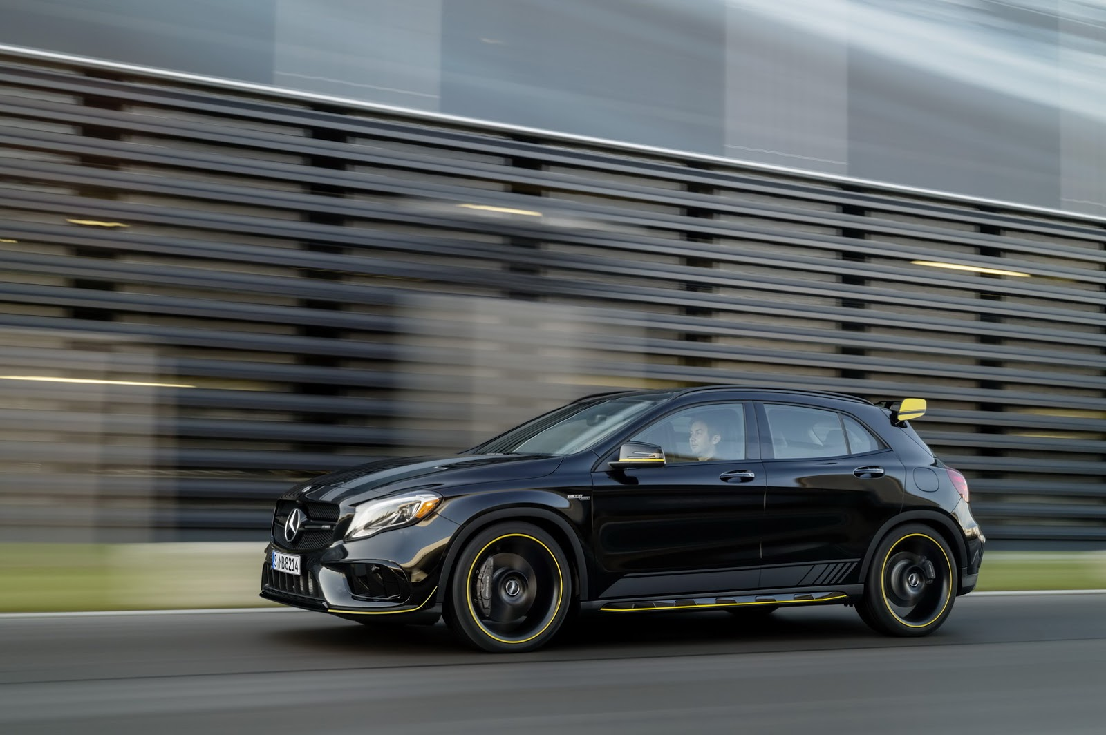 Mercedes GLA facelift and GLA 45 AMG facelift 2017 (81)