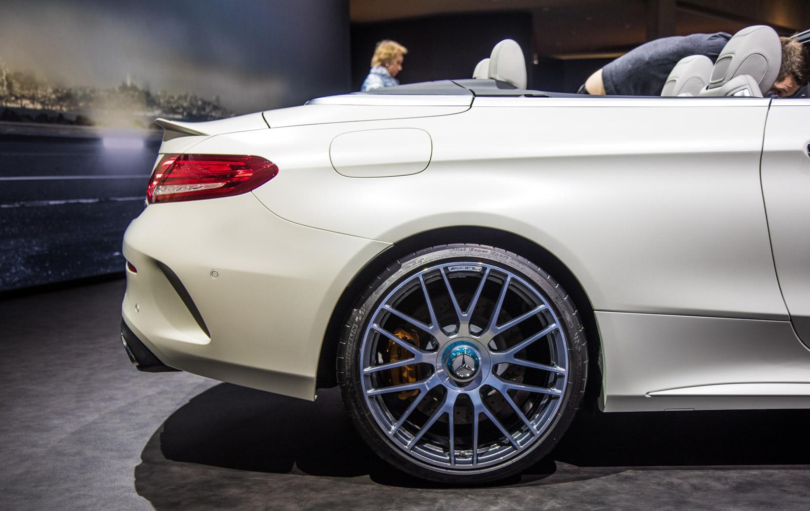 Mercedes_C63_Ocean_Blue_Edition_004