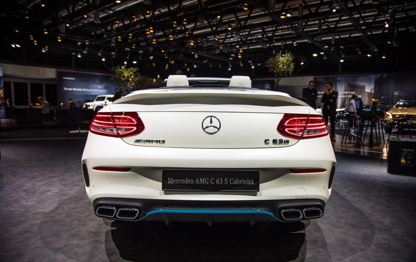 Mercedes_C63_Ocean_Blue_Edition_012