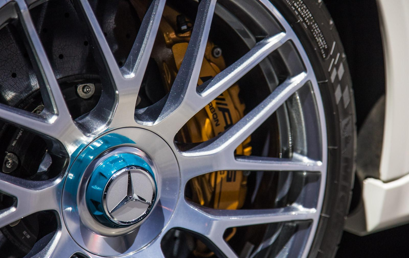 Mercedes_C63_Ocean_Blue_Edition_015