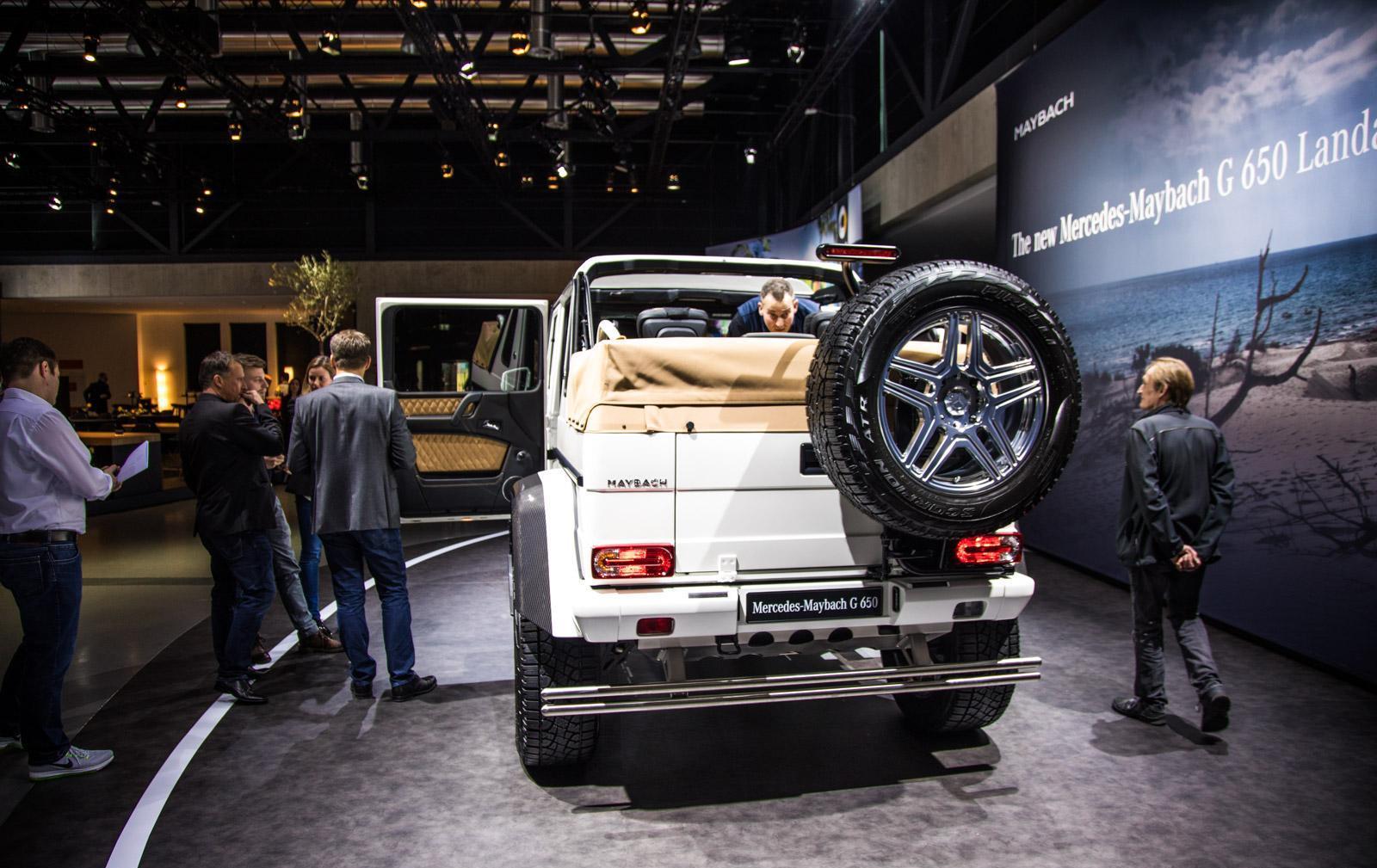 Mercedes_Maybach_G_650_Landaulet_017