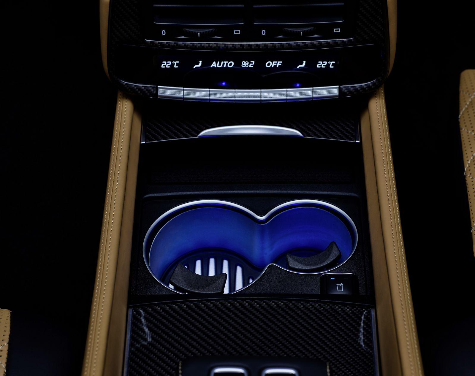 Mercedes-Maybach G 650 Landaulet ;*Kraftstoffverbrauch kombiniert: 17,0 l/100 km, CO2-Emissionen kombiniert: 397 g/kmMercedes-Maybach G 650 Landaulet; *Fuel consumption combined: 17.0 l/100 km, CO2 emissions combined: 397 g/km