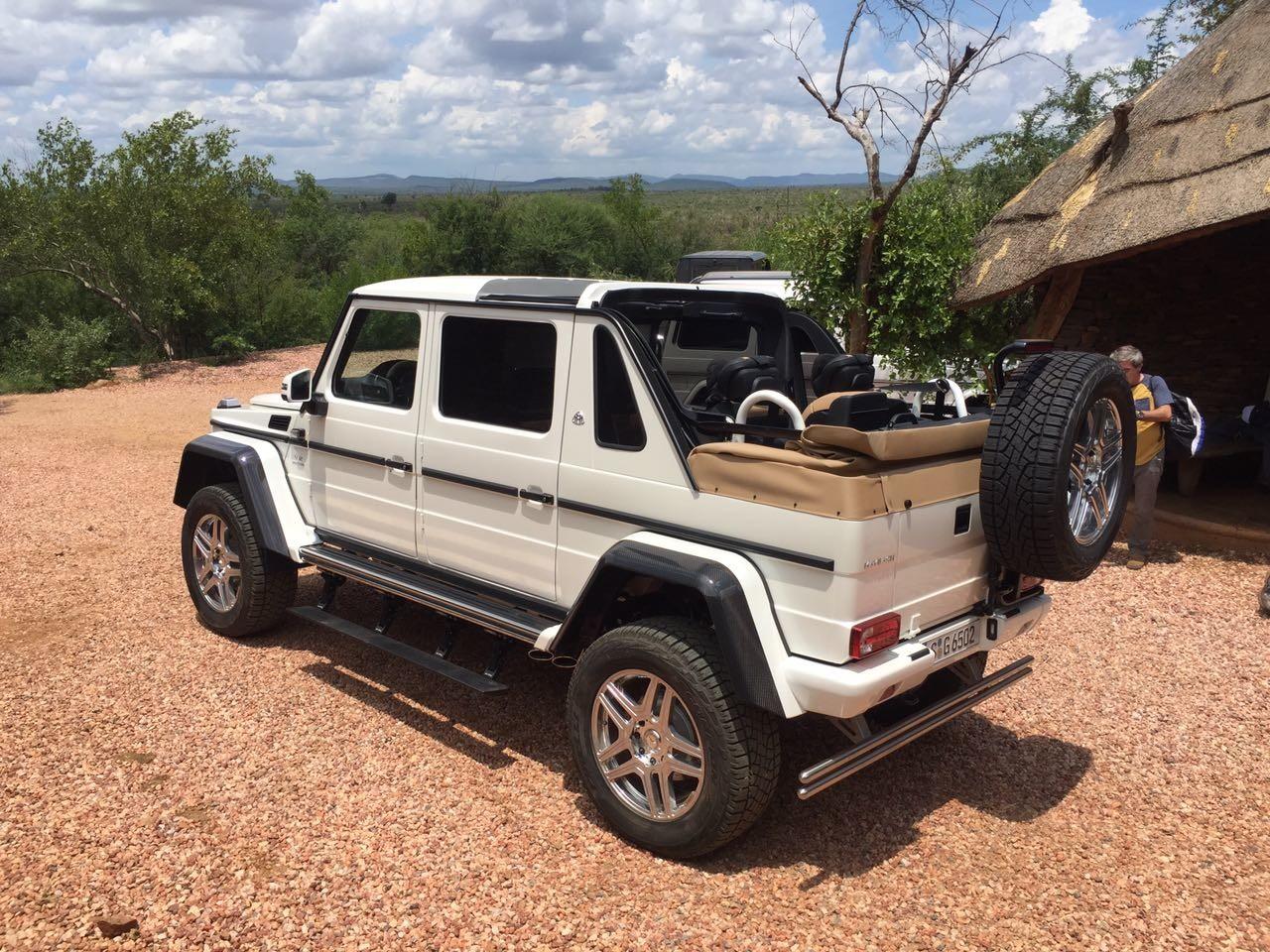 Mercedes-Maybach_G650_Landaulet_01