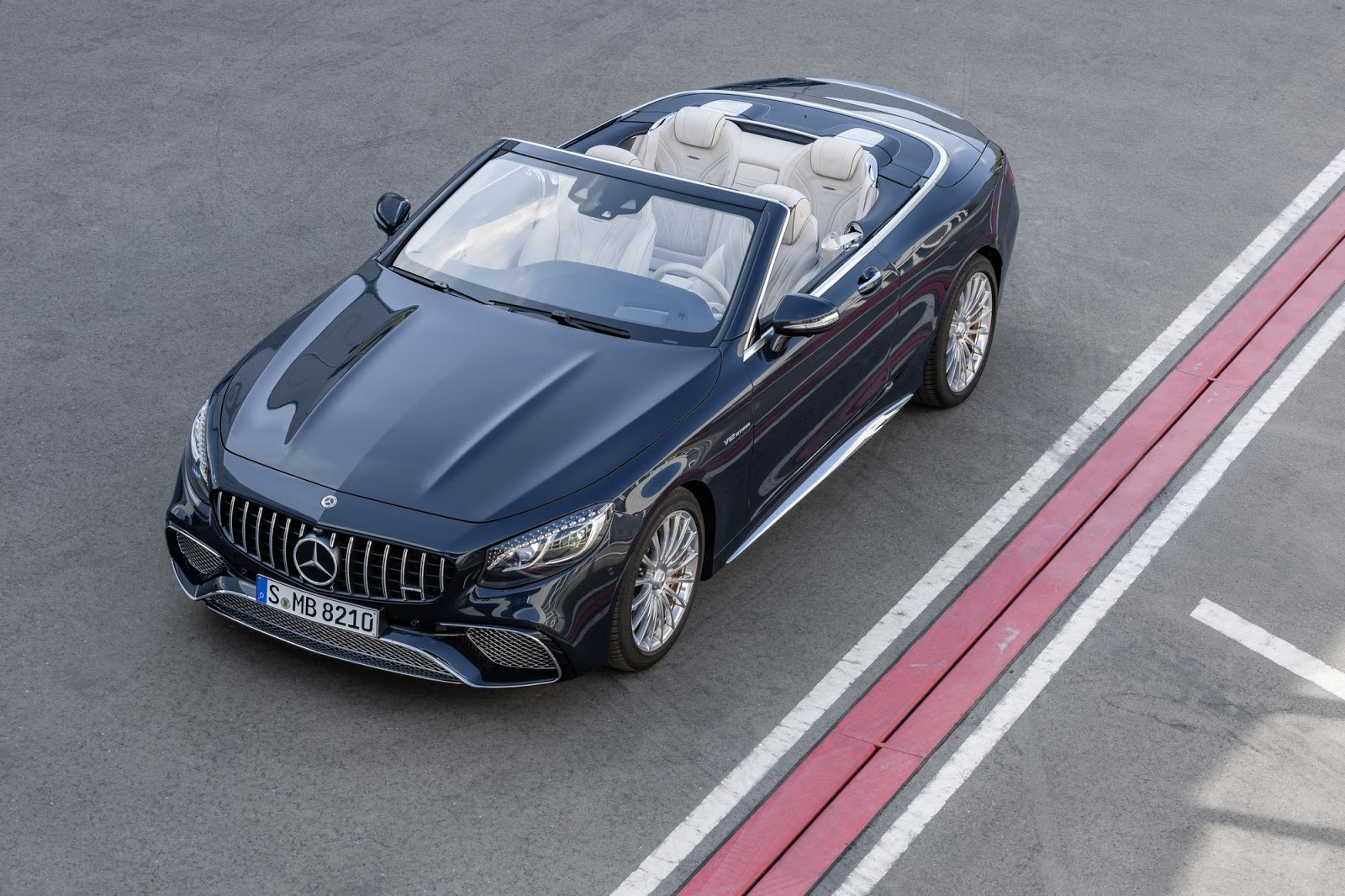 Mercedes-AMG S 65 Cabriolet, 2017. Exterieur: anthrazitblau metallic;Kraftstoffverbrauch kombiniert: 12,0 l/100 km; CO2-Emissionen kombiniert: 272 g/km*