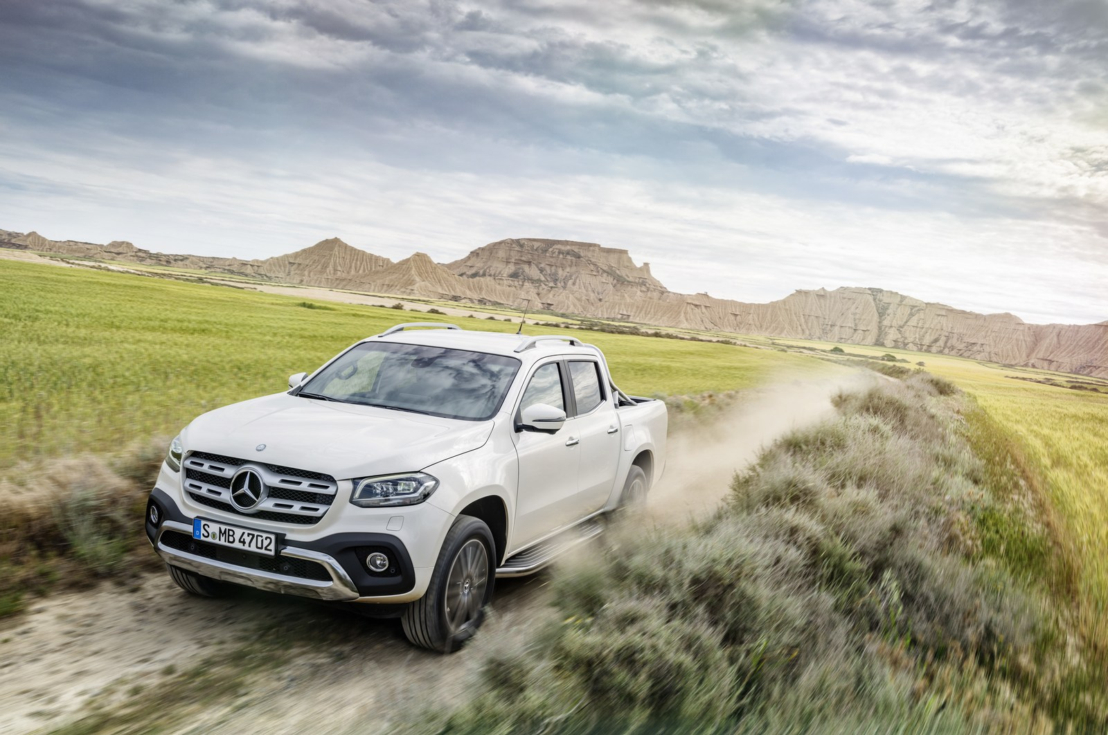 Mercedes-Benz X-Klasse – Exterieur, Beringweiß metallic, Ausstattungslinie POWER   Mercedes-Benz X-Class – Exterior, bering white metallic, design and equipment line POWER